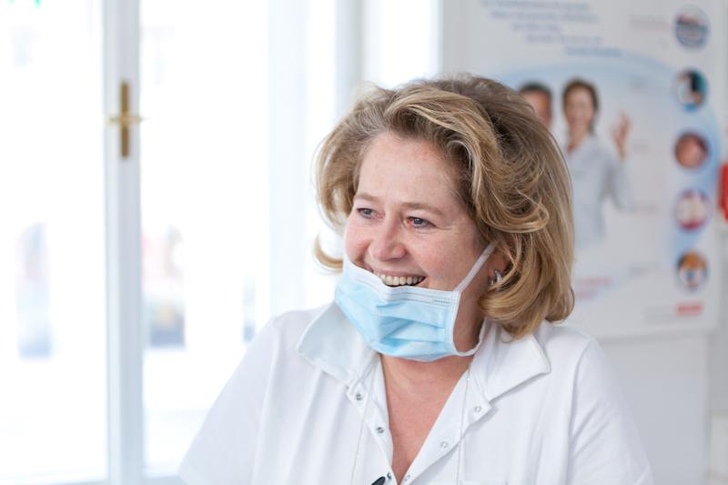 Dr. Michaela Scharnagl-Lesnik
